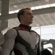 """Fanka """"Avengers"""" zapłaciła 200 dolarów za zdjęcie z tyłkiem Chrisa Evansa"""