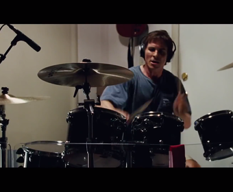Jak Christian Bale uczył się grać na podwójnej stopie?