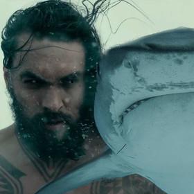 Jason Momoa potwierdził, że Aquaman będzie ujeżdżał rekiny