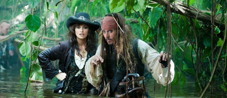 """Johnny Depp nie chciał walczyć z kobietą w """"Piratach z Karaibów: Zemście Salazara"""""""