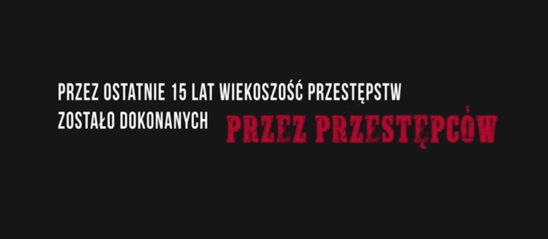 """Kabaret sparodiował hity znanego reżysera w skeczu """"Nowy film Patryka Vegety"""""""