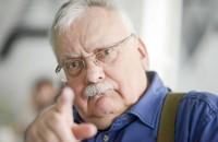 """Klocuch o Andrzeju Sapkowskim: """"polski bogacz, operuje wąsem siwym"""""""