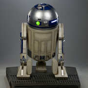 star-wars-r2-d2-life-size-figure-400277-05