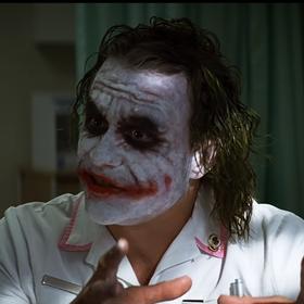 """Lekarz w USA odebrał poród w stroju Jokera z """"Mrocznego rycerza"""""""