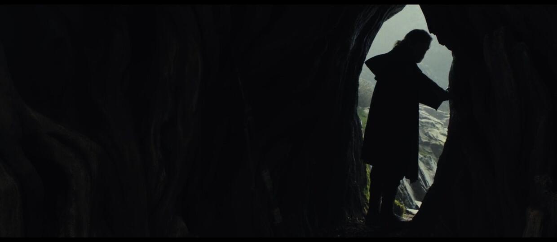 Luke Skywalker lewitujący na skale? Nieoficjalne wideo fana z planu filmowego