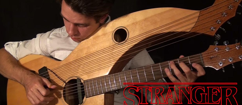 "Motyw przewodni z serialu ""Stranger Things"" zagrany na harp guitar"