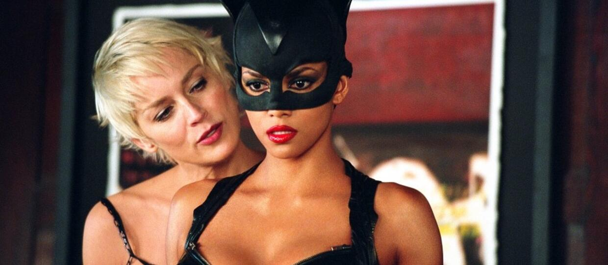 Smutna Halle Berry w Catwoman
