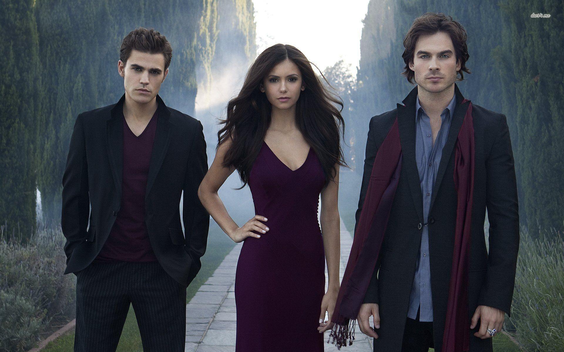 pamiętniki wampirów nie łączą Eleny z Damonem