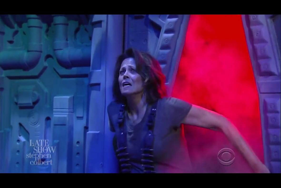 Sigourney Weaver jako Ripley w telewizyjnym skeczu
