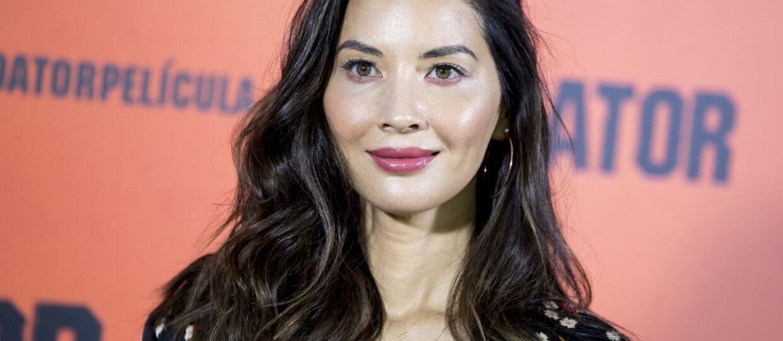 """Studio Fox skarciło Olivię Munn za ujawnienie, że w """"Predatorze"""" grał przestępca seksualny"""