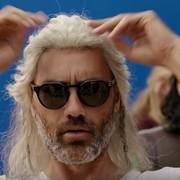 """Taika Waititi wygłupia się na planie filmu """"Thor: Ragnarok"""""""