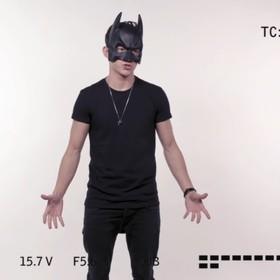 Tom Holland udaje Batmana w zabawnym wideo