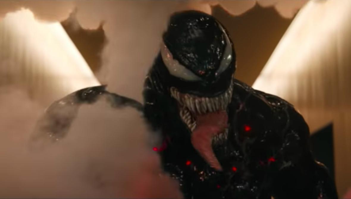 Venom masakruje oddział SWAT w nowym klipie z filmu Marvela