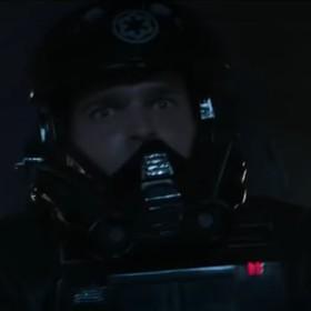 """Za co Han solo wyleciał z Floty Imperium? Nowa usunięta scena ze spin-offu """"Star Wars"""""""