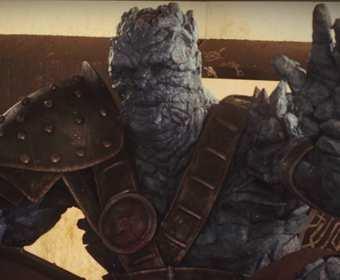 """Zdjęcie z planu """"Thor: Ragnarok"""" ukazuje, jak Taika Waititi wyglądał w stroju Korga"""