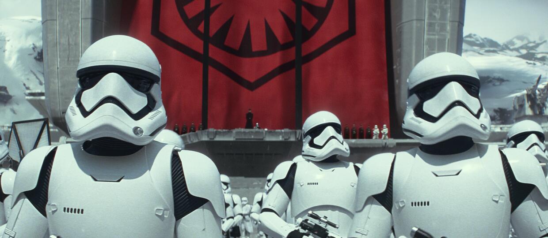 """600 ochroniarzy i drony będą strzec """"Gwiezdnych wojen: Epizodu VIII"""""""