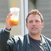 """Ben Affleck trafił na odwyk alkoholowy. Czy produkcja """"Batmana"""" stoi pod znakiem zapytania?"""