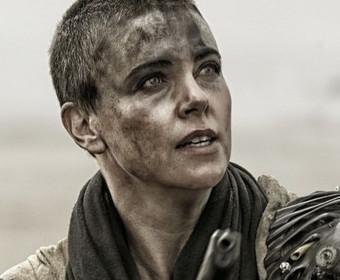 """Charlize Theron chce zagrać w spin-offie """"Mad Maxa"""""""