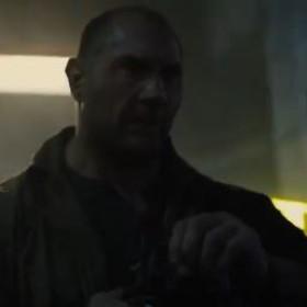"""Dave Bautista kopie tyłki w krótkometrażowym prequelu """"Blade Runnera 2049"""""""