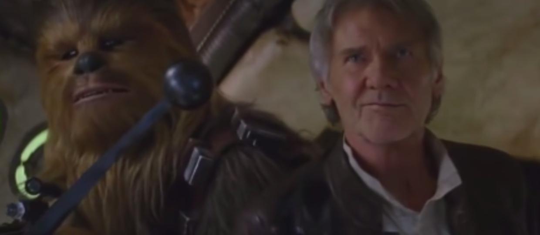 """Emilia Clarke pokazała Chewbaccę na planie """"Hana Solo"""""""