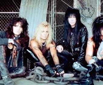 """Gwiazda """"Gry o tron"""" zostanie gitarzystą Mötley Crüe w filmie Netfliksa """"The Dirt"""""""