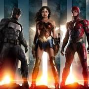 """Jak prezentują się bohaterowie """"Ligi Sprawiedliwości"""" na nowych plakatach?"""