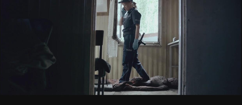 """Joanna Kulig wdepnęła w trupa we fragmencie """"Pitbulla. Niebezpiecznych kobiet"""""""