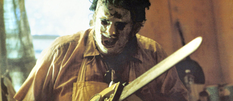 """Krwawe zdjęcia z prequelu """"Teksańskiej masakry piłą mechaniczną"""""""