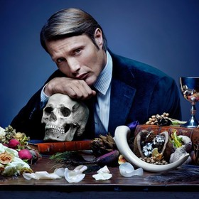 Mads Mikkelsen jako Hannibal Lecter