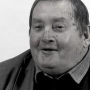 """Nie żyje długoletni scenarzysta """"Doktora Who"""". Fani oddali mu hołd"""