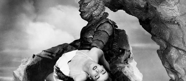 kadr z filmu Potwór z Czarnej Laguny