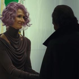 """Nowe zdjęcie z """"Ostatnich Jedi"""" zdradza rolę, jaką wiceadmirał Holdo odegra w filmie?"""