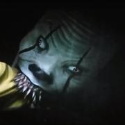 """Pennywise pożera dziecko w usuniętej scenie z filmu """"To"""""""