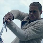 """Pierwsze recenzje """"Króla Artura: Legenda miecza"""" oraz klip z Davidem Beckhamem"""