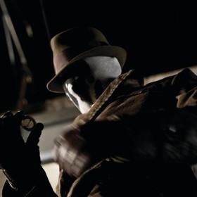"""Pierwsze zdjęcie z serialu """"Watchmen"""" zapowiada tajemniczą postać w masce"""