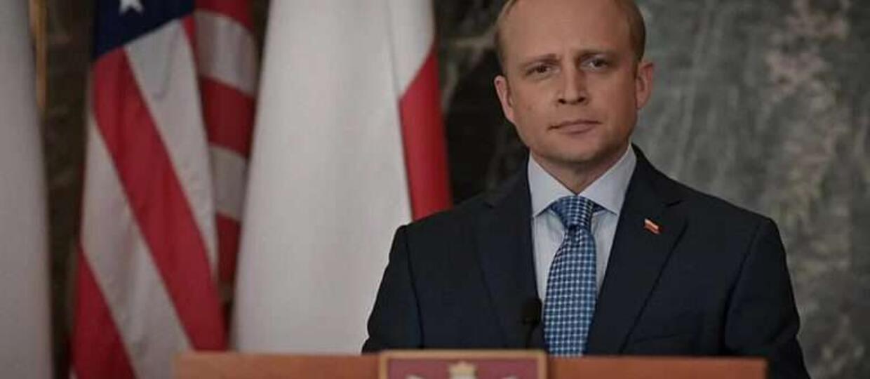 Piotr Adamczyk Madam Secretary