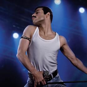 """Rami Malek znów zachwyca jako Freddie Mercury na nowym zdjęciu z planu """"Bohemian Rapsody"""""""