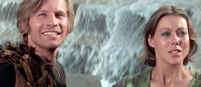Michael York i Jenny Agutter w filmie Ucieczka Logana