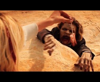 """Tampon jako przynęta na zombie w horrorze """"It Stains the Sands Red"""""""