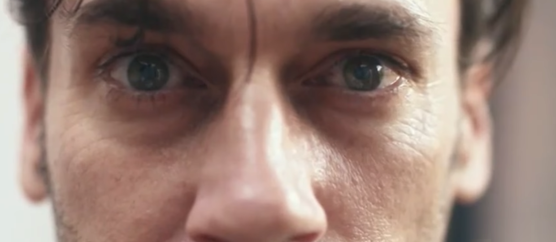 """Z Netflixa na ekrany kin. Czy powstanie pełnometrażowy film """"Black Mirror""""?"""