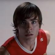 """Z """"High School Musical"""" na krzesło elektryczne. Zobacz Zaca Efrona w roli Teda Bundiego na 1. zdjęciu z planu"""