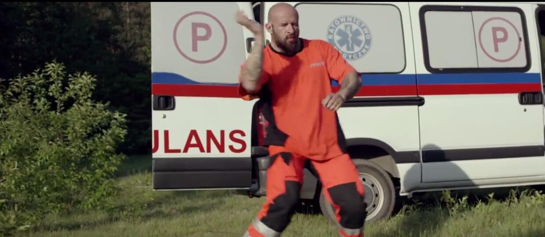 "Zwiastun ""Botoksu"" pobił rekord oglądalności trailera ""Pitbulla"""
