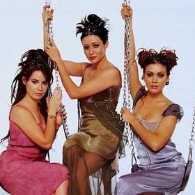 """Wiemy, kto zastąpi Prue, Piper i Phoebe w reboocie """"Czarodziejek"""". Jedna z sióstr będzie lesbijką"""