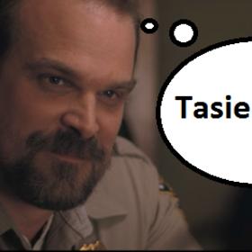 """David Harbour porównuje """"Stranger Things"""" do """"Gry o tron"""" i """"The Walking Dead"""": Nasz serial ma już zakończenie"""