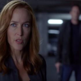 """Efekt Mandeli w """"Z Archiwum X"""", czyli Mulder i Scully  nie pamiętają początków tajnej komórki FBI"""