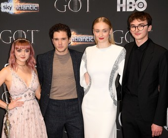 Maisie Williams, Sophie Turner, Kit Harrington