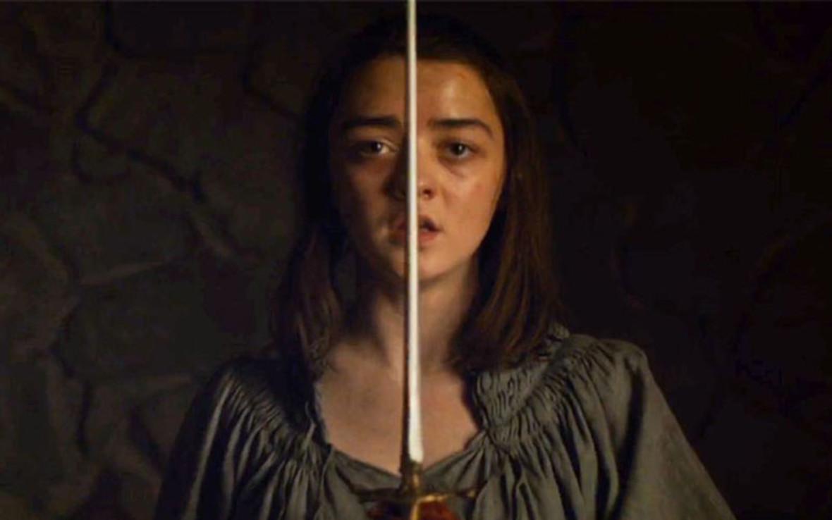 """Maisie Williams zdradza wcześniejszą datę premiery 8. sezonu """"Gry o tron"""""""