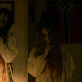 "Nazista zombie terroryzuje bohaterów horroru ""Living Space"""