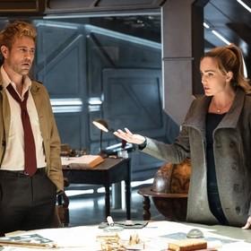 """Pojawiły się nowe zdjęcia Constantine'a z planu serialu """"Legends of Tomorrow"""""""