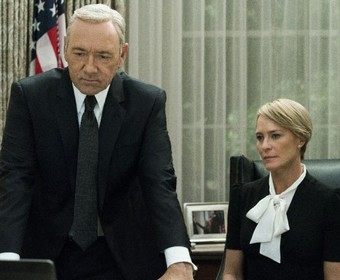 """Serial """"House of Cards"""" miał zostać skasowany przez aferę z Kevinem Spaceyem"""